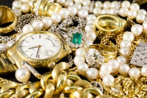 Estate Buyer: Gold Jewelry